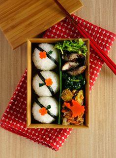 R journal: 丸丸おにぎり弁当┃Japanese rice ball bento