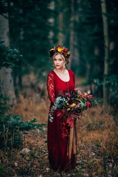 Rich red fall bridal portraits | Photo by Chris Dunn Photo | Read more - http://www.100layercake.com/blog/?p=82375