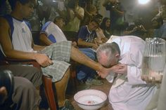 In this picture taken March 2008 Argentina's cardinal Jorge Mario Bergoglio, right, kisses the foot of Cristian Marcelo Reynoso during a Mass with youth trying to overcome drug addictions in Buenos Aires, Argentina. Flirting Tips For Girls, Flirting Quotes For Him, Flirting Texts, Flirting Humor, Man Humor, Girl Humor, Pope Francis News, Papa Francisco I, Pope Of Rome