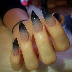 Hombre black nails