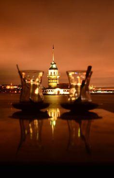 Turkish tea & Maiden's tower night in Istanbul by Yaşar Koc. Turkish Tea, Turkish Delight, Wonderful Places, Beautiful Places, Beautiful Scenery, Love Is Sweet, The Good Place, Cool Photos, Sunset