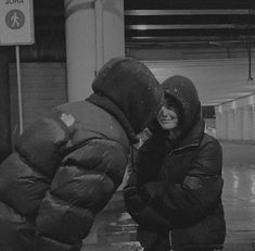 Cute Couples Photos, Cute Couple Pictures, Cute Couples Goals, Friend Pictures, Teen Couples, Couple Pics, Couple Goals Relationships, Relationship Goals Pictures, Shotting Photo