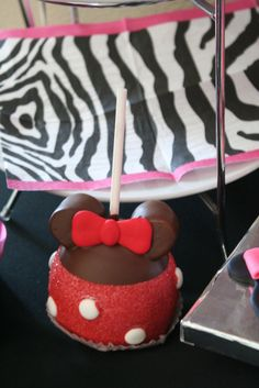 Minnie chocolate apples