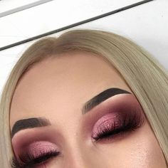 "73k Likes, 147 Comments - Wake Up and Makeup (@wakeupandmakeup) on Instagram: ""Blending @sarahlavarino """