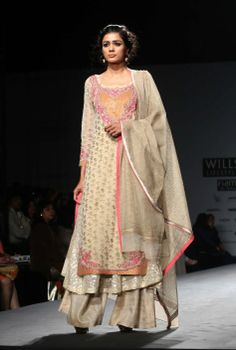 http://www.VineetBahl.com/ at Wills Lifestyle India Fashion Week #WLIFW14