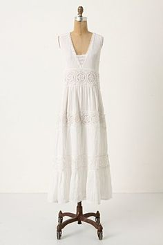 Dreams of summer. #lace #dress #fashion