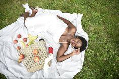 Picnic Blanket, Outdoor Blanket, Pose Reference, 5 Ways, Straw Bag, Poses, Lifestyle, Photoshoot Ideas, Blog