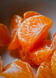Tangerines contain a generous amount of fiber, a specialized type of carbohydrate. Each cup of tangerine sections -- approximately 2 medium tangerines -- provides 3.5 grams of dietary fiber. (by Louise Tremblay for LIVESTRONG.COM)