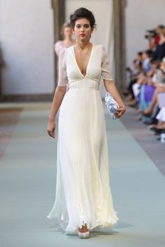 Luisa Beccaria Spring 2012 Ready-to-Wear Fashion Show Collection Luisa Beccaria, Beautiful Gowns, Beautiful Outfits, Gorgeous Dress, Bridal Gowns, Wedding Gowns, Blue Wedding, City Hall Wedding, Evening Dresses