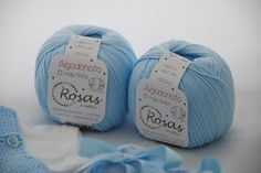 Hola a todos! En la entrada de esta semana os traemos esta ranita de algodón con sus patucos a juego, para que empecéis a tejer... Knitting Socks, Knitting Needles, Knit Stockings, Winter Time, Crochet Baby, Baby Shoes, Stitch, Sewing, Projects