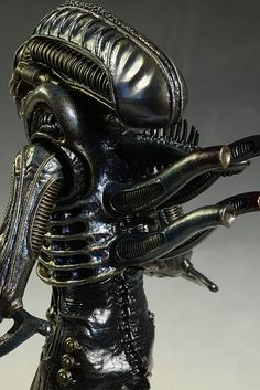 R Giger Discounts Price Sideshow Collectables Alien Resurrection Newborn Statue H