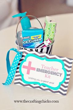 Teacher Survival / Emergency Kit - Gift Idea with free printable.