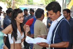 Shankar & Amy Jackson @ Vikram's (I- Tamil Version) Manoharudu Working Location Amy Jakson, Thriller Film, Actor Photo, Tamil Movies, Looking Stunning, Diwali, I Movie, Behind The Scenes, Jackson