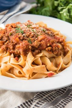 This meaty mushroom version of the Best Bolognese Sauce Recipe is a savory, classic Italian meat-based sauce that originated in Bologna, Italy. Also known as ragù alla bolognese, or sometimes just ragù, this slow-cooked labor of love is made with a trio o Spaghetti Bolognese Slow Cooker, Slow Cooker Bolognese Sauce, Authentic Bolognese Sauce, Best Spaghetti Bolognese Recipe, Bolognese Pasta, Mushroom Bolognese, Spaghetti Sauce, Beste Bolognese Sauce, Recipes