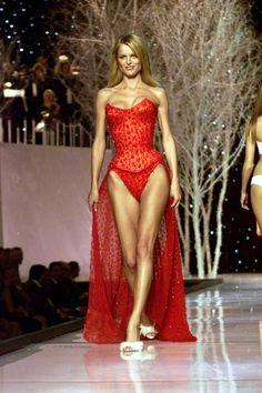 Pin for Later: Rückblick: Die heißesten Victoria's Secret Models aller Zeiten Eva Herzigova