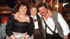 """Florian Silbereisen mit Eltern, Mutter Helga und Vater Franz / TV Sendung """"Heimatmelodie"""" in M¸nchen, ca. 1991, / Bitte Fotovermerk:Schneider-Press/WB"""