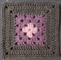 Today's square: Centered Square Size: 6 inch Pattern By: Jan Eaton Hook: H Yarn: TLC Essentials Lt. Pattern from: Ravelry Notes: One more from the 200 C… Granny Square Crochet Pattern, Crochet Blocks, Crochet Flower Patterns, Crochet Stitches Patterns, Crochet Squares, Crochet Motif, Crochet Crafts, Crochet Projects, Granny Square Quilt