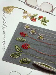 tatting tutorials and patterns - schemi chiacchierino - Tatting Jewelry, Lace Jewelry, Tatting Lace, Jewelry Crafts, Shuttle Tatting Patterns, Needle Tatting Patterns, Lace Patterns, Flower Patterns, Strawberry Flower