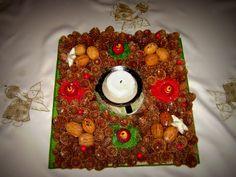 Stroik z szyszek Tree Skirts, Christmas Tree, Holiday Decor, Home Decor, Teal Christmas Tree, Decoration Home, Room Decor, Xmas Trees, Christmas Trees