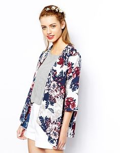 Shop Florals Loose Kimono at ROMWE, discover more fashion styles online. Blazer Floral, Cardigan Floral, Kimono Floral, Kimono Cardigan, Kimono Coat, Floral Jacket, Kimono Style, Romwe, Kimono Design