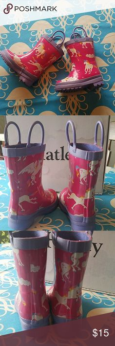 Hatley Unicorn Rainboots Unicorn rain boots toddler size 5. In excellent used condition come with original box. Pink, purple, white. Hatley Shoes