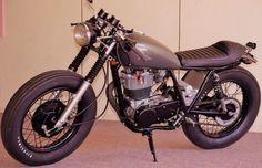 'The Varkain' Yamaha SR 400 by Raider Motorsport
