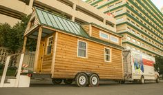 The Tiny House Expedition made a pit-stop at the U-Haul headquarters in Phoenix, Arizona to welcome U-Haul Team members to an exclusive Open House. This Open House gave Team members the chance to experience this sustainable-housing project.
