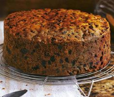 Masterclass Christmas cake Get ahead with your preparations and you'll be rewarded with a rich, moist fruit cake that's ready for icing and decorating in December. Asda Recipes, Baking Recipes, Cake Recipes, Dessert Recipes, Xmas Desserts, Recipies, Xmas Food, Christmas Cooking, Kolaci I Torte