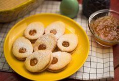 Tojás alakú lekváros linzer Doughnut, Cereal, Keto, Breakfast, Food, Easter, Cakes, Morning Coffee, Meal