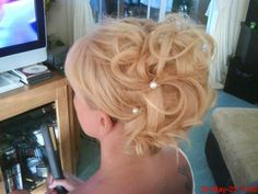 My creation on my mums hair for my sisters wedding
