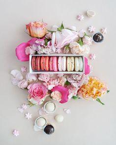 Flatlay styling | Flat lay photo ideas | Food photography | pink macarons