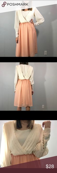 24ea69639 70's dress DETAILS: ❋ Side zipper closure ❋ Bishop sleeves ❋ 9 faux pearl  button