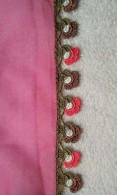 Alıntı Crochet Edging Patterns, Crochet Designs, Crochet Flowers, Crochet Lace, Hobbies And Crafts, Diy And Crafts, Saree Tassels Designs, Crazy Quilt Stitches, Quilt Stitching