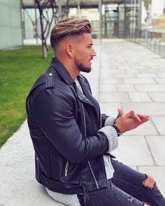 Mens Hairstyles Pompadour, Pompadour Fade, Cool Hairstyles For Men, Haircuts For Men, Mens Hairstyles Fade, Fashion Hairstyles, Hair And Beard Styles, Short Hair Styles, Wavy Hair Men