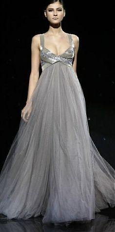 grey+empire+waist+Elie+Saab+gown+via+pinterest.jpg (335×678)