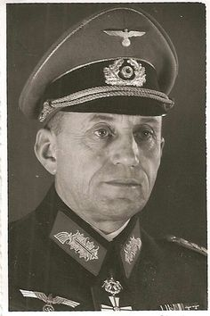 Generalleutnant Wilhelm Raithel (15 October 1894 - 24 March 1960), commander 43. Artillerie Regiment 1935, staffofficer in Staff Heeresgruppe B 1939, commander 109. Artillerie Division 1941, 199. Infanterie Division 1942, 312. Artillerie Division 1943, Führerreserve 1944, commander II Artillerie School Gross-Born 1944, Division ,,Bärwalde'' in Pomerania 1945. On 07 March 1945 he was captured by 1. Polish Army, transferred to Russia, and was released in 1955.