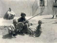 S.M. Dudin. Musicians. Uzbeks.  1901. Collection of the Russian Ethnographic Museum, St.-Petersburg