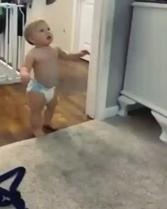 Cute Funny Baby Videos, Funny Baby Memes, Cute Funny Babies, Funny Videos For Kids, Funny Short Videos, Funny Video Memes, Really Funny Memes, Stupid Funny Memes, Haha Funny