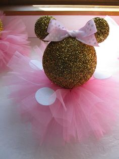 8 Gold Glittery Minnie Mouse Table by PartyStylingsofMandy on Etsy