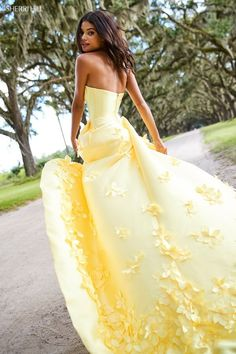 Prom dresses yellow - Sherri Hill High Low A Line Dress 52581 – Prom dresses yellow Pretty Prom Dresses, Sherri Hill Prom Dresses, Hoco Dresses, Ball Dresses, Homecoming Dresses, Cute Dresses, Strapless Dress Formal, Beautiful Dresses, Dress Outfits