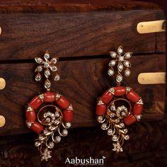 Jewelry Design Earrings, Gold Earrings Designs, Bead Jewellery, Beaded Jewelry, Gold Temple Jewellery, Gold Ring Designs, Gold Jewelry Simple, Ear Rings, Choker