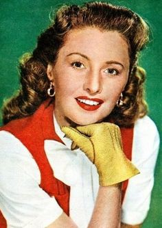 Barbara Stanwyck looking very much like Victoria would have when she and her husband were still working to build their home Classic Actresses, Beautiful Actresses, Actors & Actresses, Hollywood Actresses, Golden Age Of Hollywood, Vintage Hollywood, In Hollywood, Barbara Stanwyck, Red Haired Actresses
