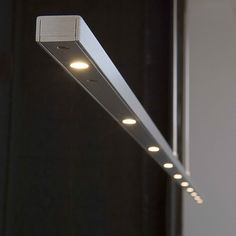 ULTIMO® (hang) - verlichting - woonkamer - Wonen.nl Led, Wall Lights, Ceiling Lights, Kitchen Lighting, Track Lighting, Door Handles, Doors, Home Decor, Light Design