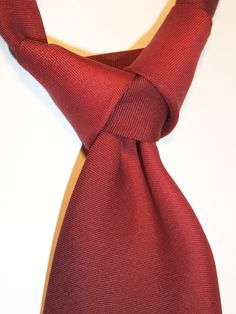 The Atlantic Tie Knot.  Coolest tie knot ? - Art of Manliness