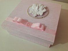 Linda+caixa+em+mdf+forrada+em+tecido,espirito+santo+em+resina,ideal+para+fazer+convite+madrinha+de+batizado.