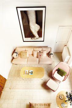 Fotografía en gran formato de Isabel Muñoz en casa de la decoradora Susana Beltrán. AD España, © gonzalo machado