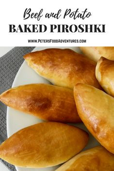East European pastry recipe, alternative to the lunchtime pie or pastie. Baked Piroshki - stuffed with Potato & Beef - A healthier version of a Russian classic (Пирожки в духовке с картошкой) Healthy Potatoes, Beef And Potatoes, Ukrainian Recipes, Russian Recipes, Ukrainian Food, Potato Piroshki Recipe, Piroshky Recipe, Pierogi Recipe, Plats Ramadan