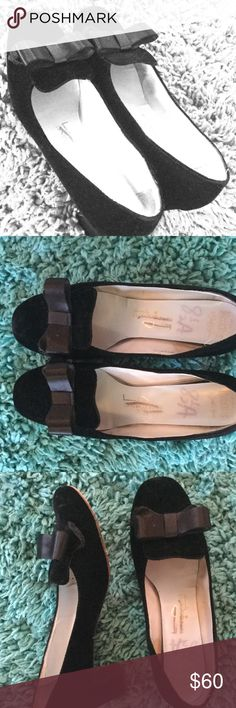 Vintage Velvet 50's Gidding Jenny Black pumps Black soft plush velour/suede like pumps. Good condition but are old and worn especially shown on hard bottom surface. Heel is perfect with protective edge. Size 8.5. CHANEL Shoes Heels