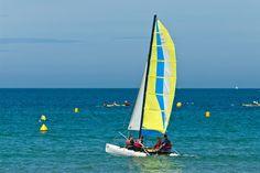 Catamaran sur les plages de Collignon. #MyCherbourg