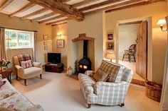 Cosy living room - very nice. Cottage Living Rooms, New Living Room, Small Living, English Living Rooms, Country Lounge, Country Living, Cosy Living, Cottage Shabby Chic, Country Chic Cottage